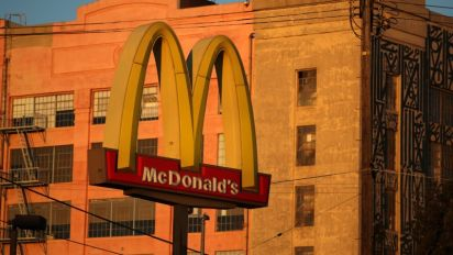 McDonald's offers settlement in labor board case