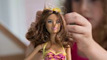 Mattel Falls Most Since 1999 as Outlook Disappoints Investors