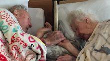 El selfie que te hará llorar: El adiós de estos ancianos enamorados