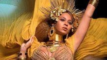 Beyoncé muestra su barriguita en los Premios Grammy