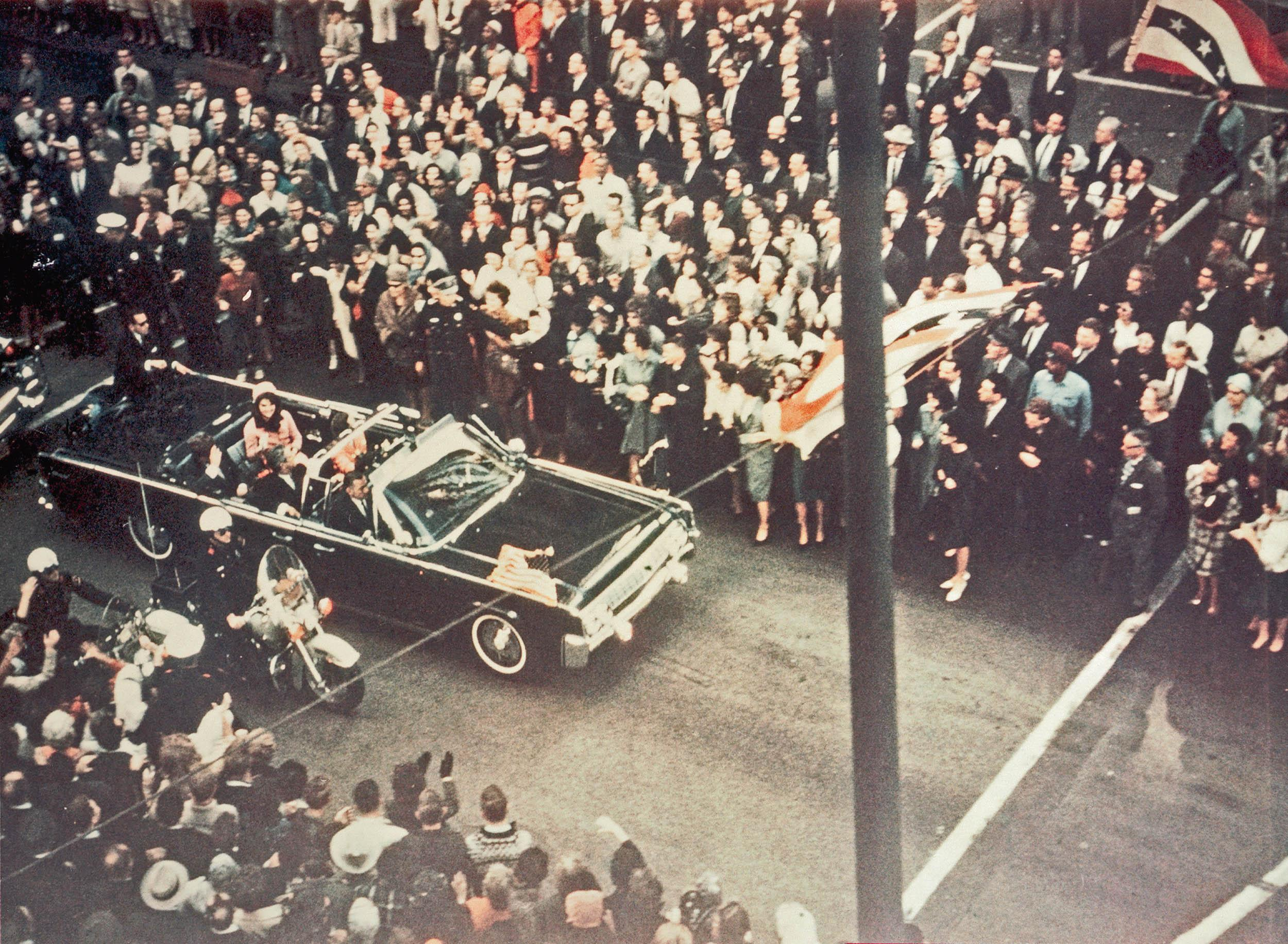 the assassination of kennedy and the conspiracies The assassination of jfk and the conspiracy theories that followed have proved irresistible to writers and artists, from oliver stone to stephen king by colin kidd.
