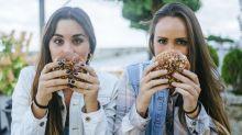 Voici pourquoi vous devriez commander un second hamburger à la place des frites
