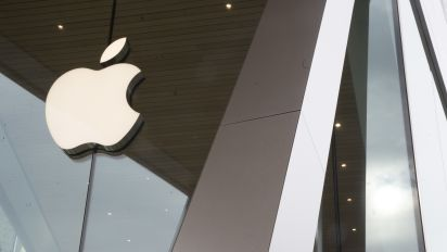 Apple's $44B drop shows cost of reliance onChina