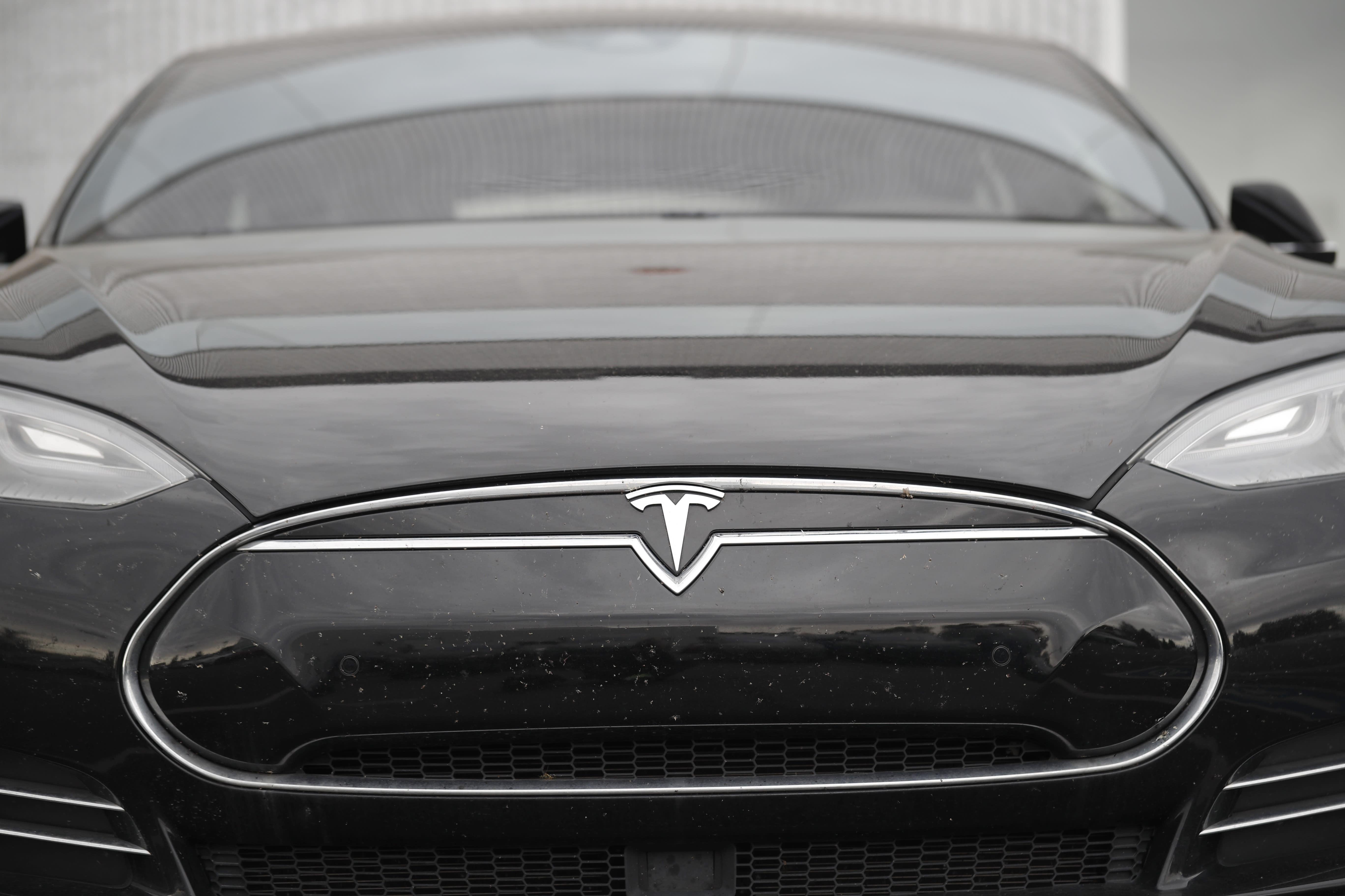 NHTSA investigating Tesla battery defect
