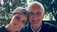 """""""Andava no meio do mato sozinha e gritava"""", diz Fernanda Lima sobre luta do pai contra Covid"""