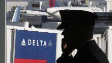 Looking for a new job? Delta's hiring 8,000 pilots