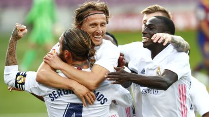 Real Madrid brush aside Barcelona and return to the top of LaLiga