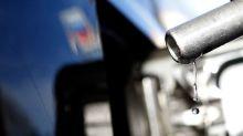 U.S. gasoline prices slump as storm fears wane, demand concerns return