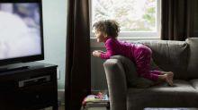 Pourquoi les enfants qui regardent un écran le matin pourraient avoir trois fois plus de risques d'avoir des troubles du langage