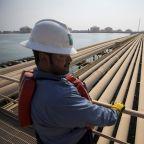 Oil's Slide Accelerates Amid Darkening Supply-Demand Outlook