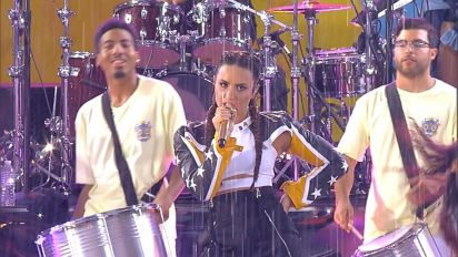 Demi Lovato performs 'Instruction' live in NYC