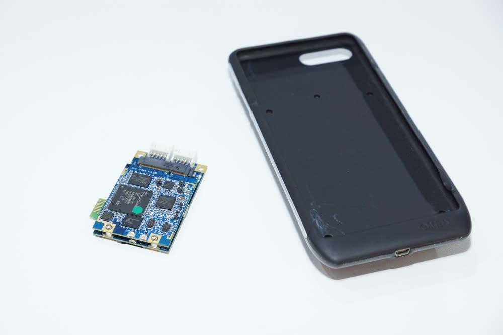 聯網化(Connected):行人安全應用,手機殼形式的V2P警示系統。