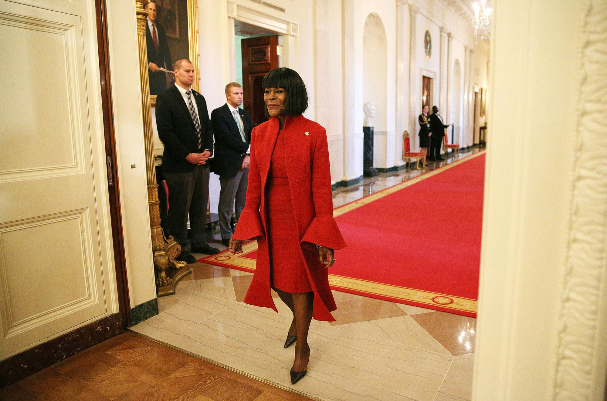 <p>Actress Cicely Tyson walks to her seat before a ceremony awarding the Presidential Medal of Freedom to various recipients in the East Room of the White House in Washington, U.S., Nov. 22, 2016. (Carlos Barria/Reuters) </p>