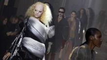 Rick Owens schickt Models als sexy Aliens über den Catwalk