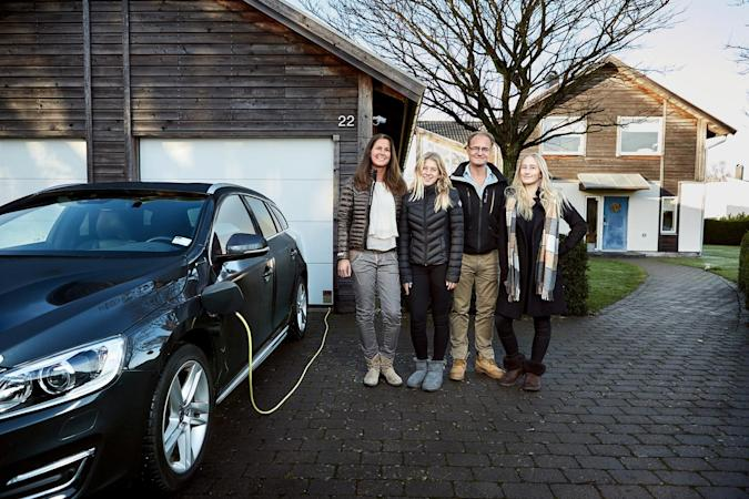 Volvo is testing self-driving cars with real families