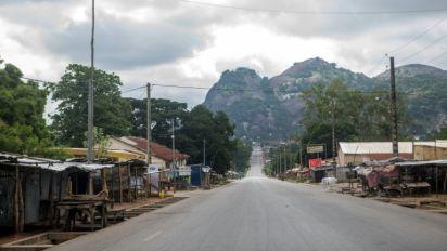 """""""Panique totale"""" dans le centre du Bénin: au moins deux opposants tués, 30 policiers blessés"""
