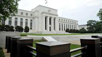 Fed Bets It Won't Fall Behind Curve on Rates