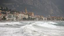 Éboulements, routes coupées, coupures d'électricité... : les Alpes-Maritimes font face à la tempête Alex
