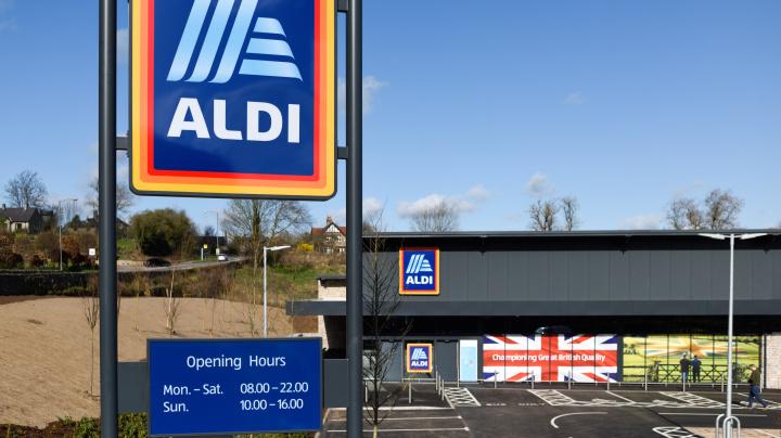 Neue Werbeaktion: Aldi UK will Weihnachten im Juni nachfeiern
