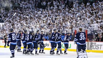 Jets fail to sell out first game since move to Winnipeg