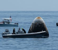 Boaters Invaded SpaceX's Splashdown Zone. That's a Terrible Idea.