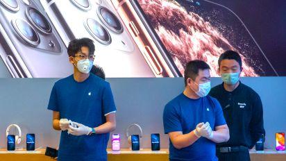 Apple's coronavirus caution is nothing like last year's China warning