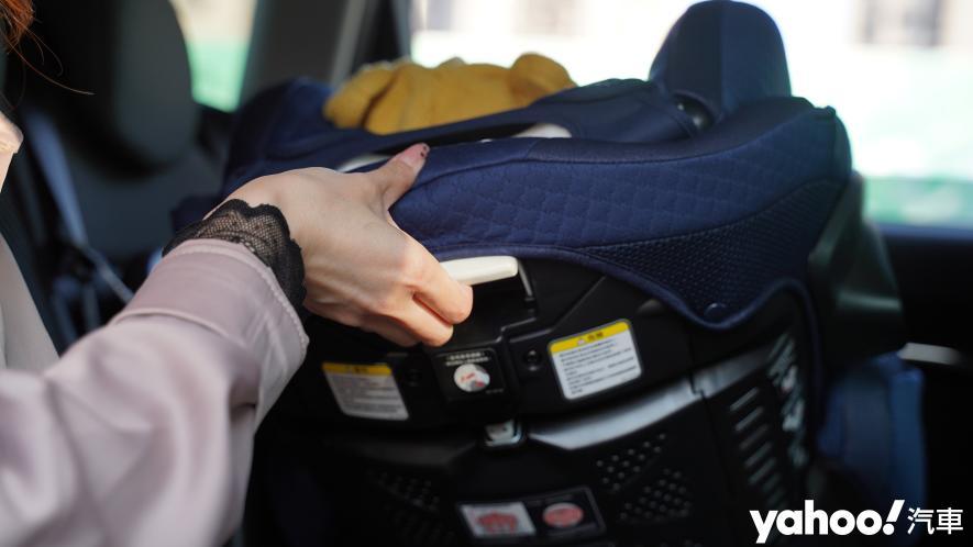 新手爸媽輕鬆上手!育嬰神器Aprica Fladea Grow ISOFIX Premium平躺型安全座椅激推開箱! - 7