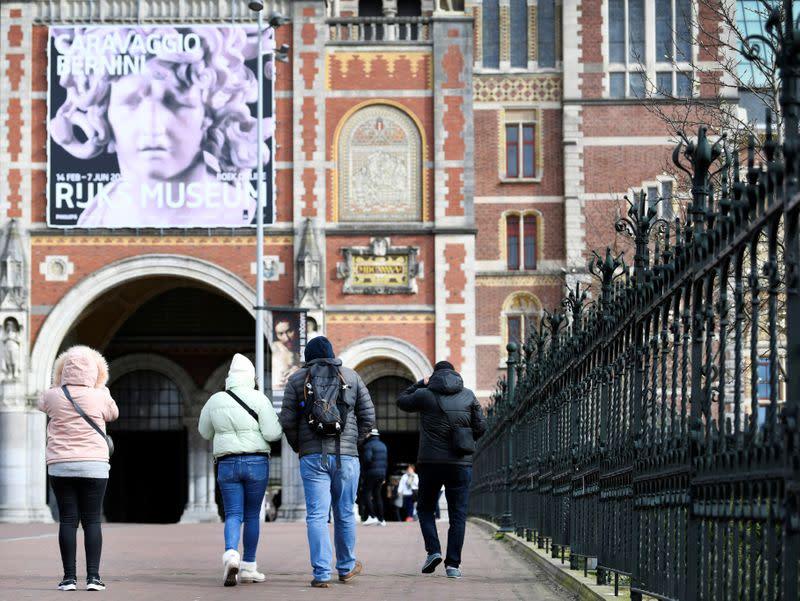 Most Dutch will get coronavirus, PM tells nation