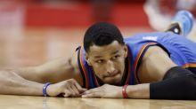 Andre Roberson's teammates roast his tipping tact after his $30 million deal