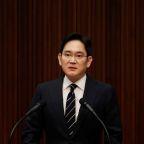 Korean prosecutors question Samsung heir in succession-related probe