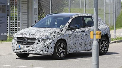 New Mercedes-Benz GLA-Class spied on the street looking sharp