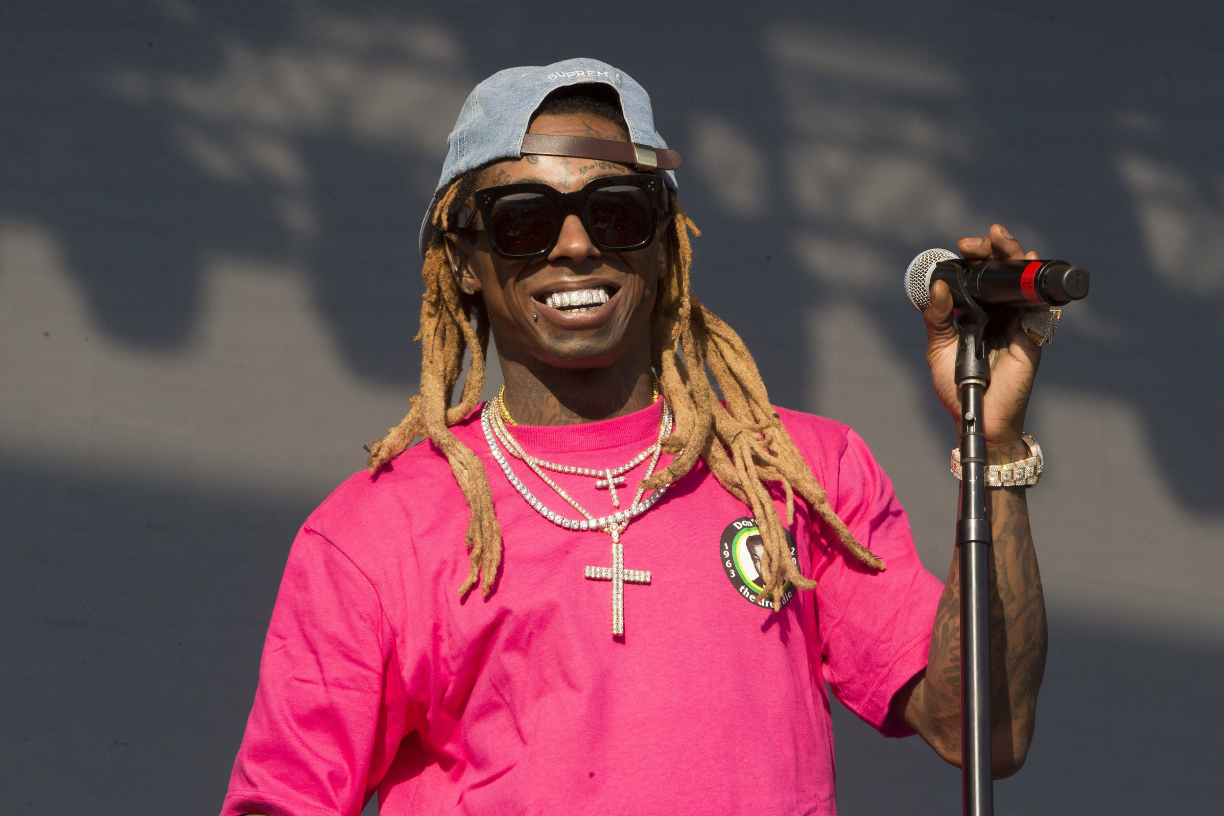 Rapper Lil Wayne charged with federal gun offense in Florida, faces 10 years in prison