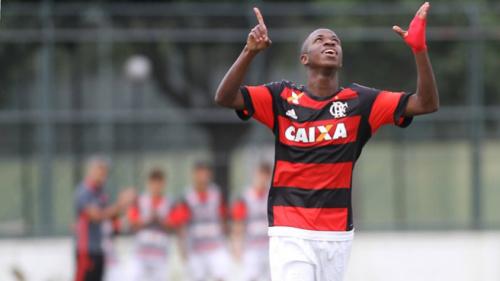 Vinícius Júnior será integrado ao profissional do Flamengo nesta terça