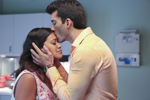 """This Old Hollywood behind-the-scenes photo from """"Jane the Virgin"""" is too attractive for words"""