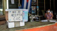 El dólar resucita en Cuba mientras el CUC agoniza en las colas