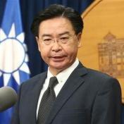 吳釗燮稱台灣不想和美國建交 網酸:吃了誠實豆沙包?
