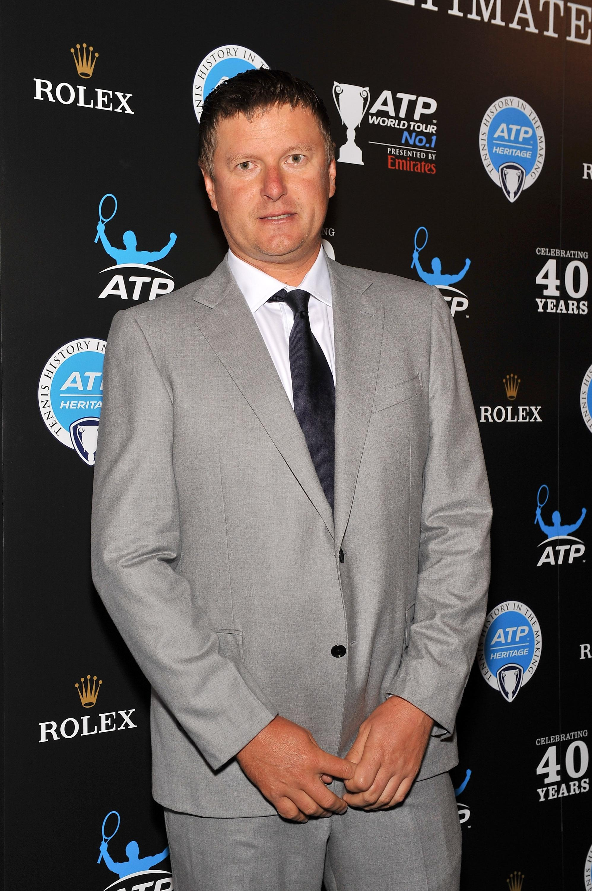 Yevgeny Kafelnikov ignores the first rule of Hall of Fame