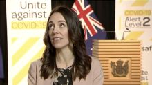 New Zealand leader carries on with TV interview during quake