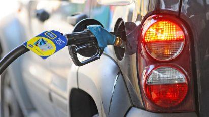 """Benzina, Di Maio: """"Prepariamo rinvio e-fattura a gennaio"""""""