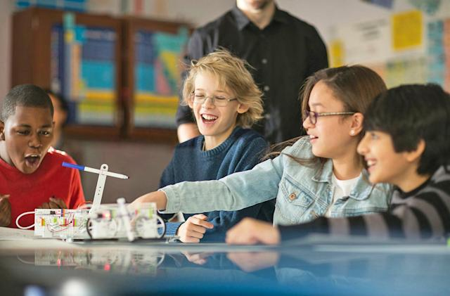Students can make self-driving cars with littleBits' STEAM kit