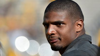 NFL trailblazer Michael Sam thanks Carl Nassib for 'owning truth' and coming out