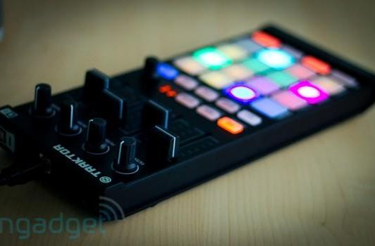 Native Instruments announces Traktor Kontrol F1 controller with Traktor 2.5 and Remix Decks, we go hands-on