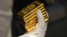 Spot Gold Advances, Trimming Weekly Loss, as Dollar Declines