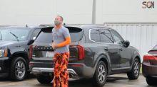 La coreografía de un padre en el aparcamiento del hospital para animar a su hijo con cáncer