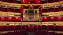 Acusaciones de clasismo en las medidas COVID aplicadas por el Teatro Real y una obra suspendida ante las protestas