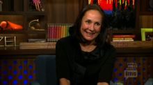 Laurie Metcalf Serves Up the Gossip