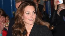 Tweed más lentejuelas: la combinación ganadora de Kate Middleton para una noche en el teatro