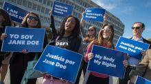 Undocumented pregnant teen asks full appeals court to review decision on abortion