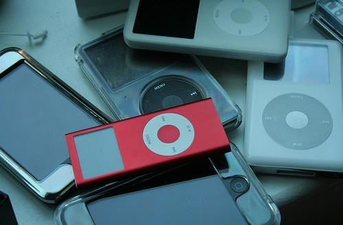 "SanDisk CEO concedes: ""You can't out-iPod the iPod"""
