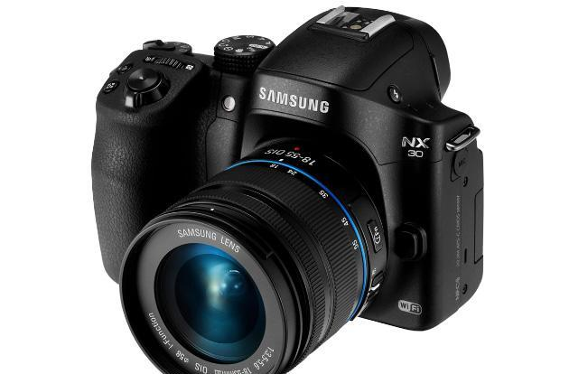 Trade your DSLR today to celebrate Samsung's 'Ditch Day'